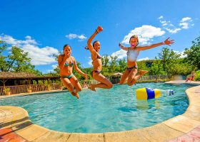 Camping familial Lot avec piscine