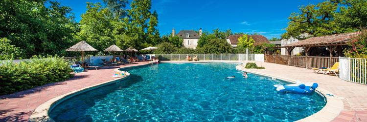 Camping lot avec piscine camping avec espace quatique for Camping a la ferme dordogne piscine