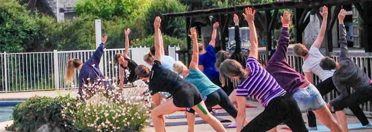 Camping yoga Lot