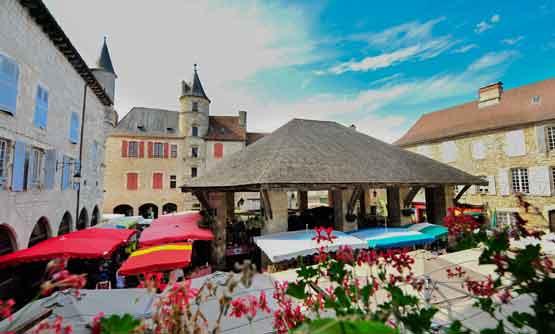 Hôtel de plein air en vallée de la Dordogne